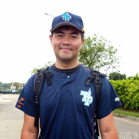 曾琮萱是台北市成棒隊的一員 攝於105年[開啟新連結]