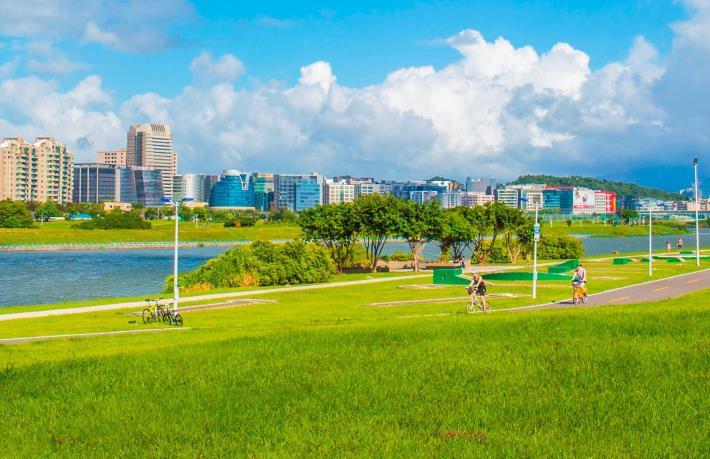 河濱是騎自行車的好地點  [另開新視窗]
