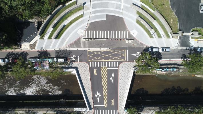 「四分溪勤力橋拓建工程」北市水利處拓寬的勤力橋成為15至25公尺寬的扇型橋樑