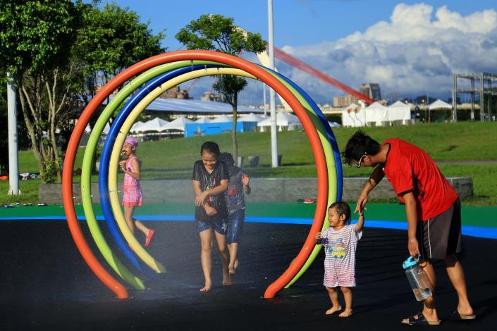 大佳河濱兒童戲水開放時間中秋連假9月13日至15日下午3至6時  9月開放時段為每週六日下午3至6時開放
