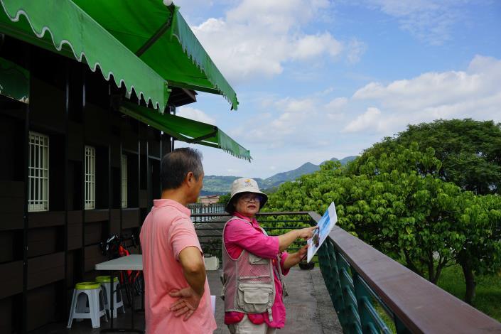 生態志工隊夥伴們各個身懷絕技,除為民眾解說社子島溼地生態.JPG