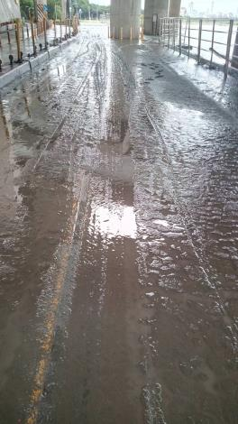 桂林機車道 泥濘遍布