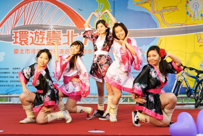 世新大學民族舞蹈社-大東京音頭啪啦啪啦[開啟新連結]