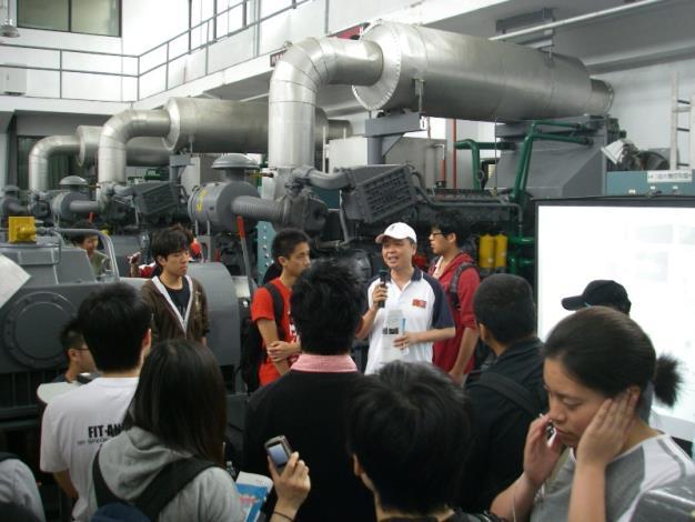 臺大張教授斐章補充說明。Professor Fei-zhang Zhang made supplementary comments.