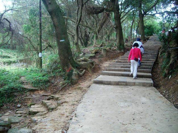 05劍潭山親山步道.JPG