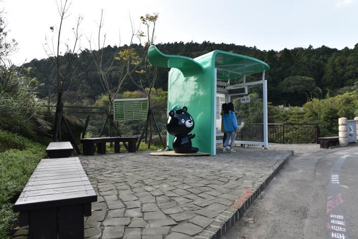 湖田橋站─提供遊客更寬敞的候車區.JPG