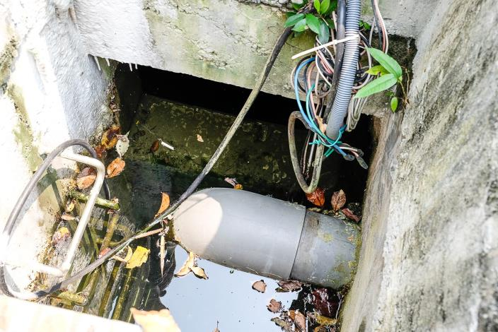 圖5 缺失案例-抽水機故障滯洪沉砂池無法排水[開啟新連結]
