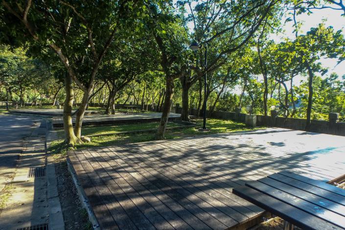 圖10_貴子坑露營場-草地木棧營區