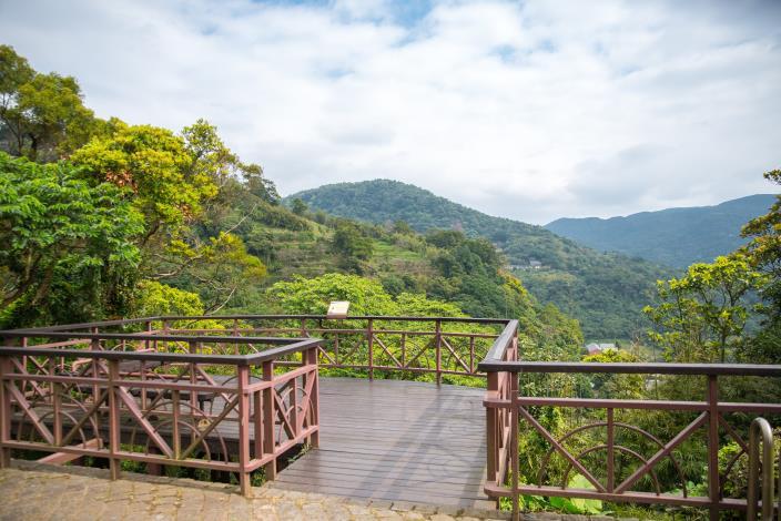照片2 溪山鐵馬驛站觀景平台