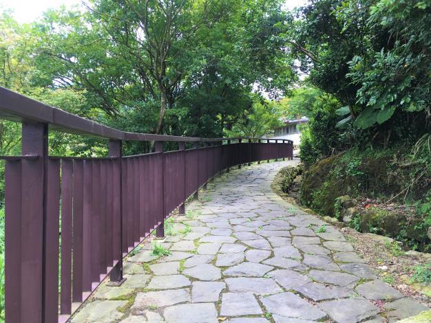 7.避暑山中徑.JPG