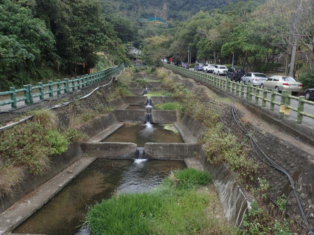 03水磨坑溪和貴子坑溪的跌水工程整治是很特殊景觀