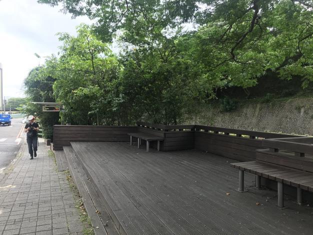 02集合點–公車站旁平臺.JPG