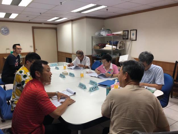 圖4 、108年度臺北市山坡地水土保持優良社區選拔委員聽取參加社區書面報告情形