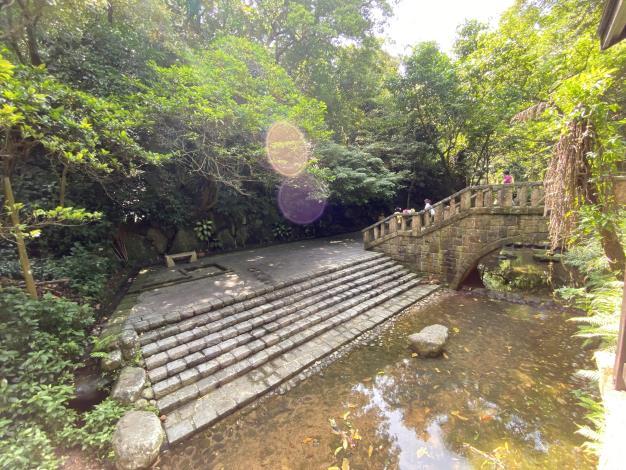 照片4 虎山溪親水平台