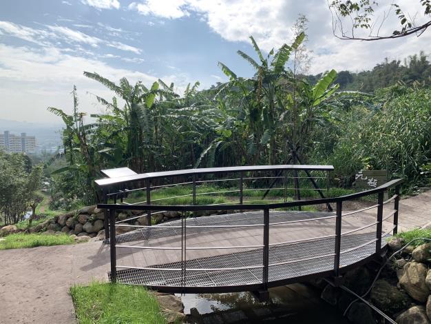 桃源溪弧型版橋,眺望遠景