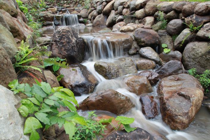 桃源溪跌水工程整治景觀,聆聽潺潺流水聲.JPG