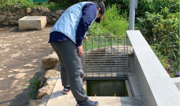3.專業技師現場檢查滯洪沉砂池清淤狀況