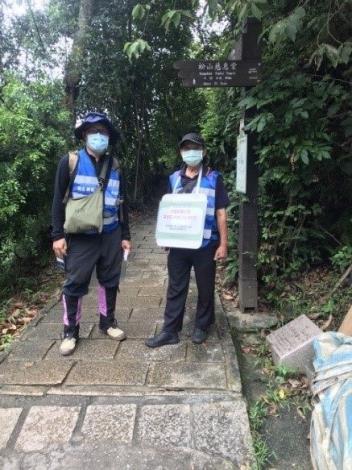 大地處派員至虎山步道巡勘、宣導防疫工作