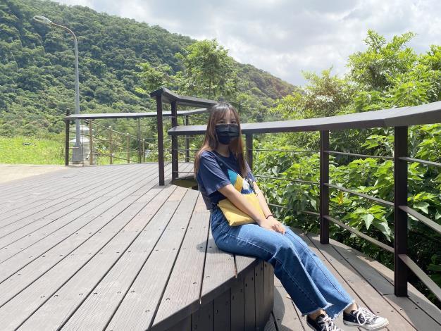 照片2_市景平台供民眾休憩.JPG
