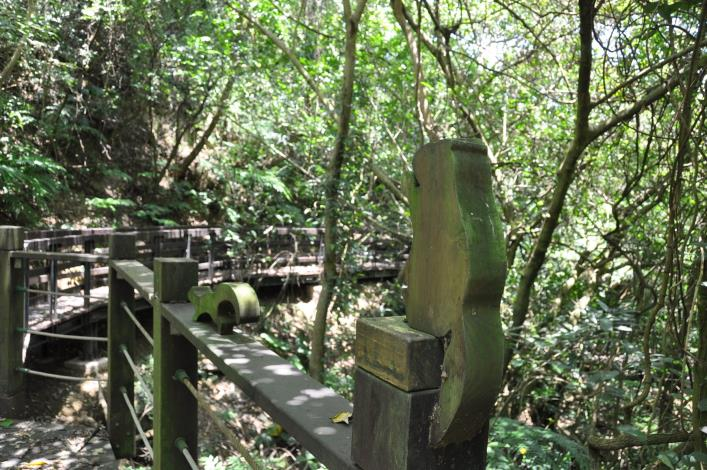 07健康步道是設施完善的木棧道.JPG