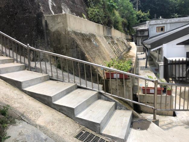 10.蟾蜍山聚落微型樁擋土牆及階梯復舊
