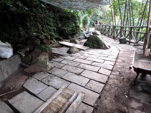 安山岩鋪面廣場改善