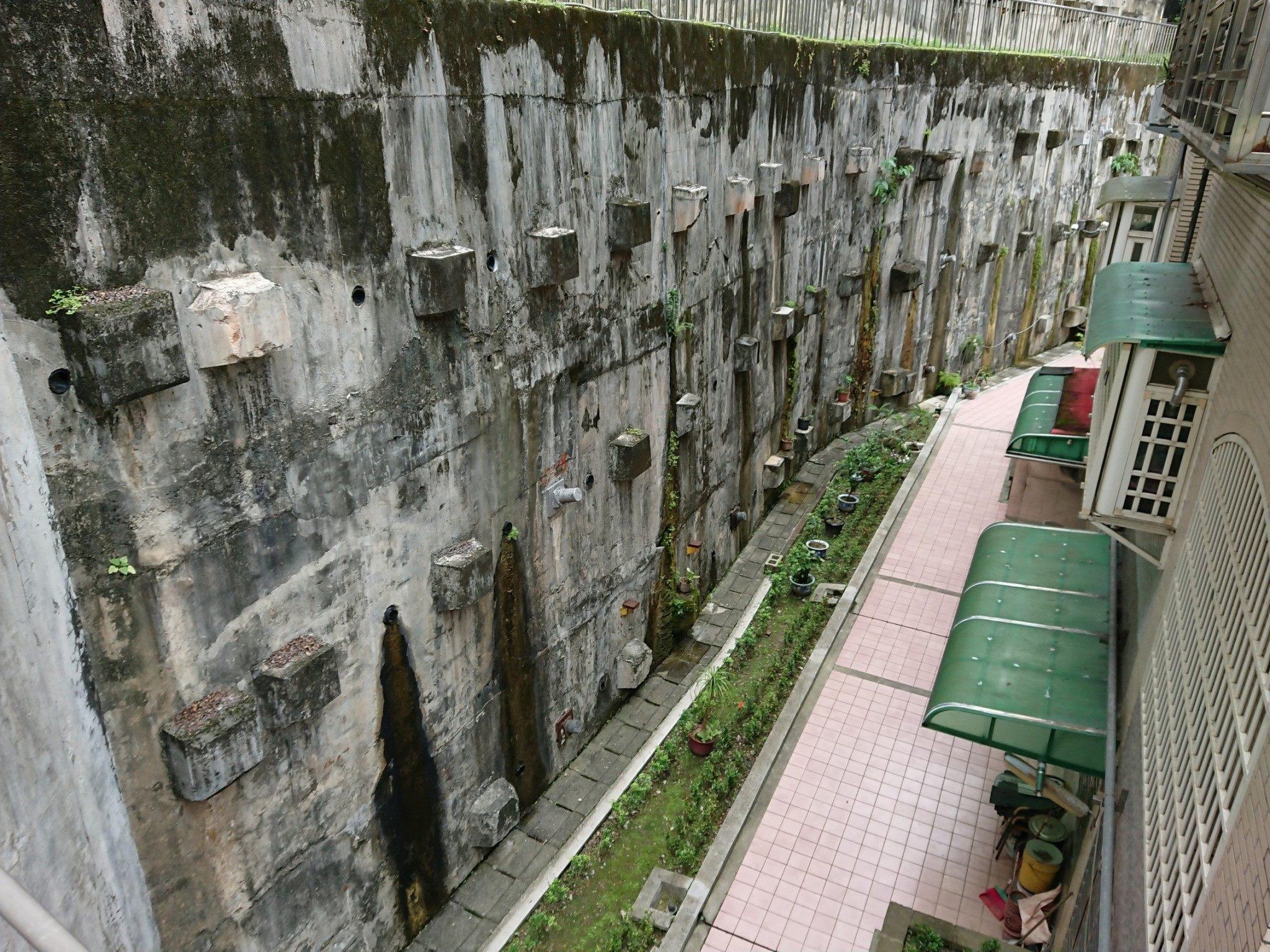 D棟下階擋土牆