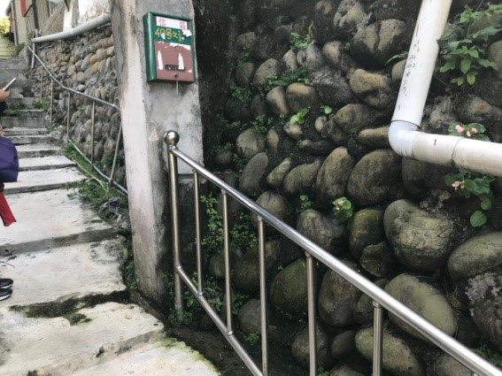 擋土設施面板及排水管改善前照片