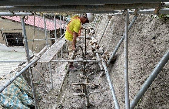 微型樁鋼筋埋設後1:3水泥砂漿