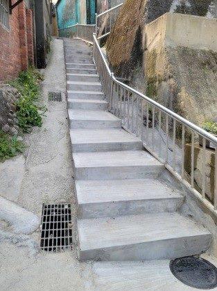 階梯修復完成