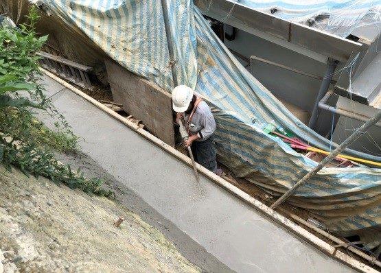 壓樑灌漿作業