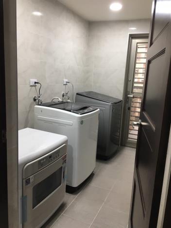 自立住宅洗衣間
