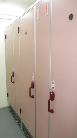 拖車式流動廁所內部設備-3