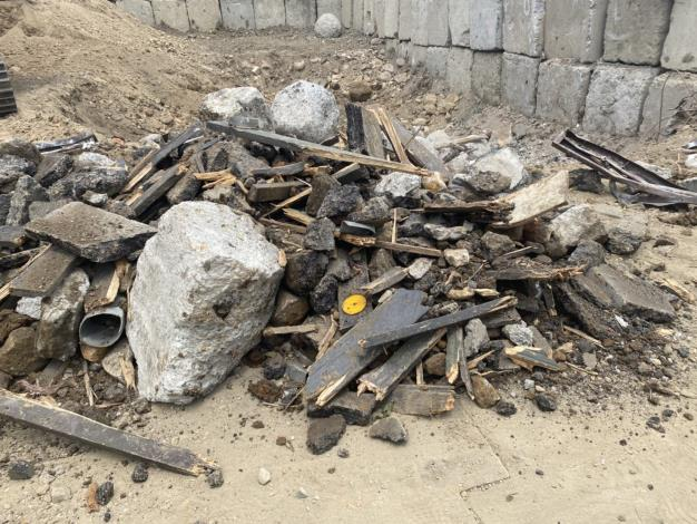 臺北市環保局查獲玖泰工程公司於北投區空地非法處理營建廢棄物1