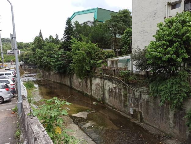 臺北市環保局近日複查指南溪已無廢泥水污染