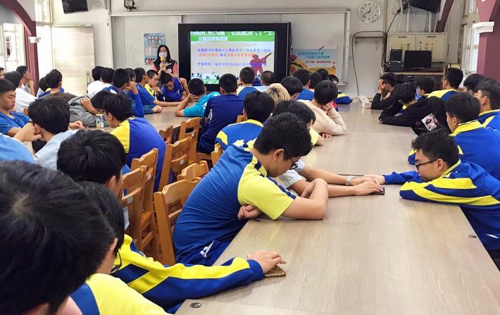1091028大理高中校宣_201028_5