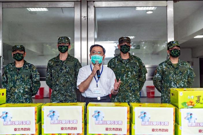 1.蔡炳坤副市長為33化學兵群加油打氣