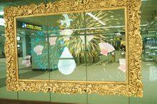 圖片說明:民眾可在網站上用藝術家提供之謬思元素拼貼創作並展示於車站內