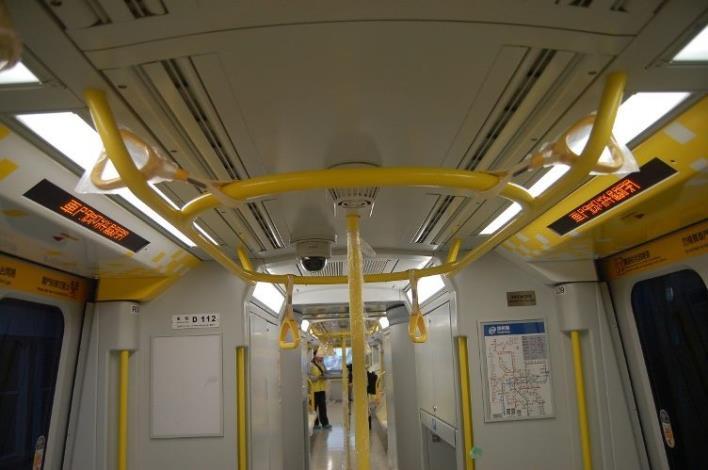 電聯車門也有公共藝術圖案