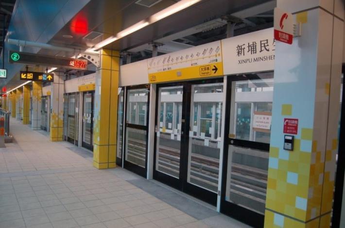 3. 新埔民生站的月台門柱設計