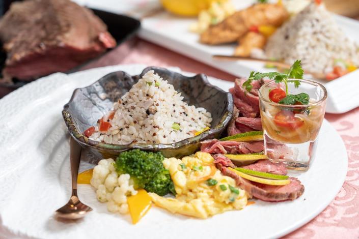 安東市場的馬師原創料理,以三低(低溫、低鹽、低油)為訴求,主打健身也能放心吃的健康[開啟新連結]