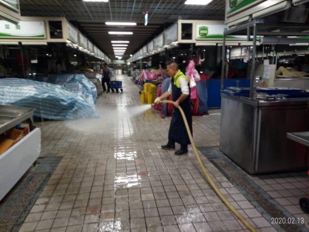 非營業時間地板清洗