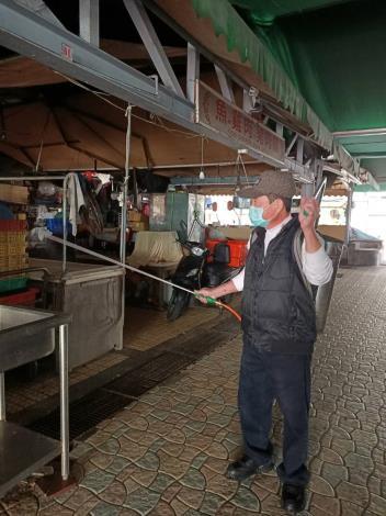 福華廣場攤販集中場消毒情形