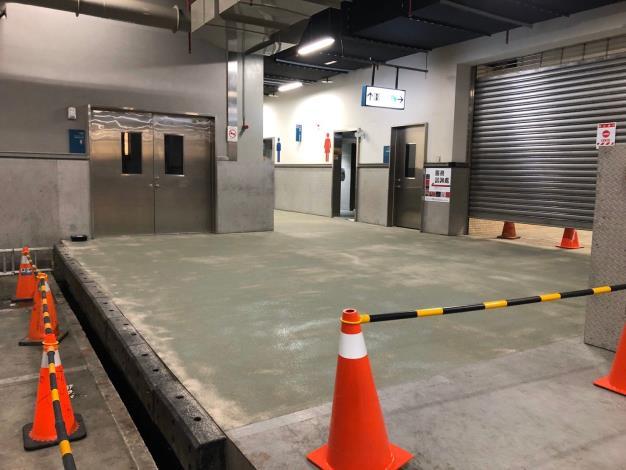 1樓卸貨平台至廁所地坪改善