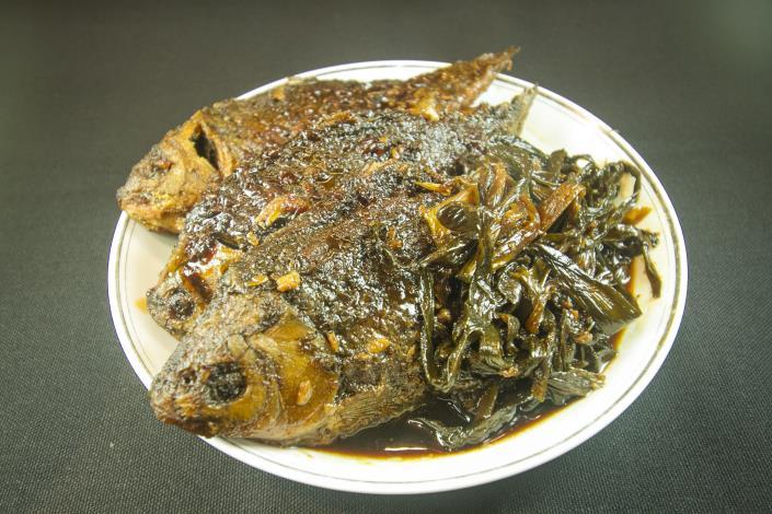 江浙名菜蔥燒鯽魚