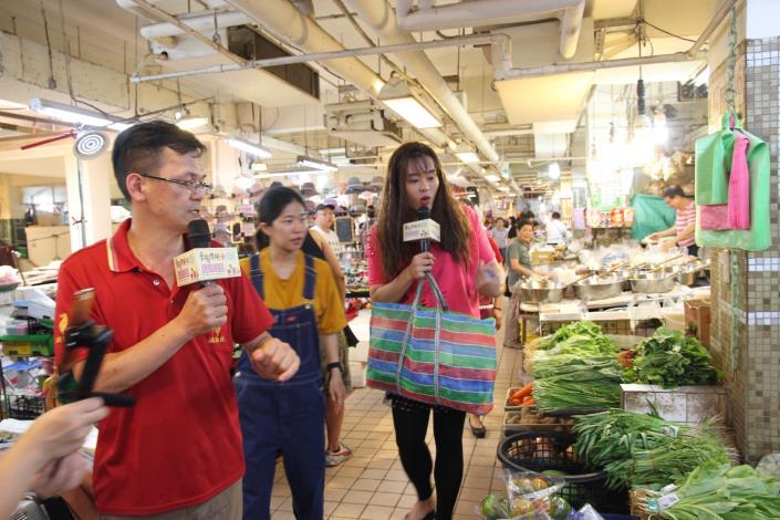秀娥(又仁)表示自己也是在南部市場附近長大的孩子,其實非常喜歡逛傳統市場.JPG[開啟新連結]