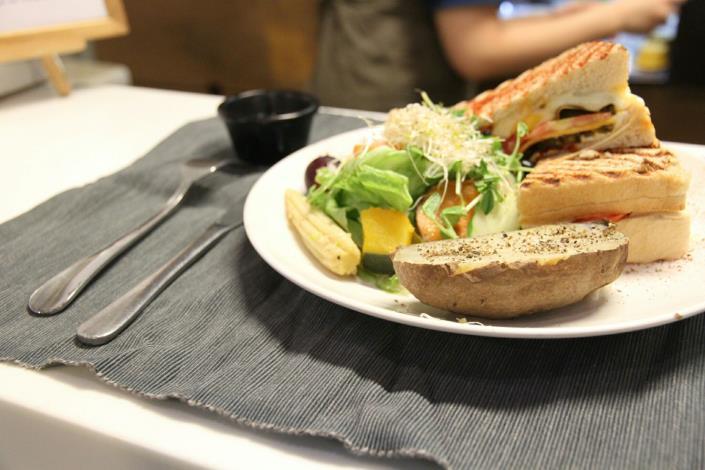 華山市場人氣美食[開啟新連結]