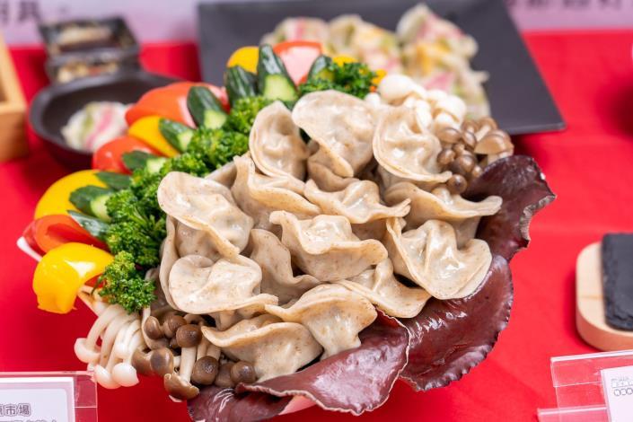 水源市場大吉利元寶水餃的人氣招牌水餃,以高CP值與清爽口味深受評審與民眾肯定
