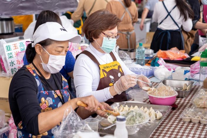 臺北傳統市場節攤商現場包水餃