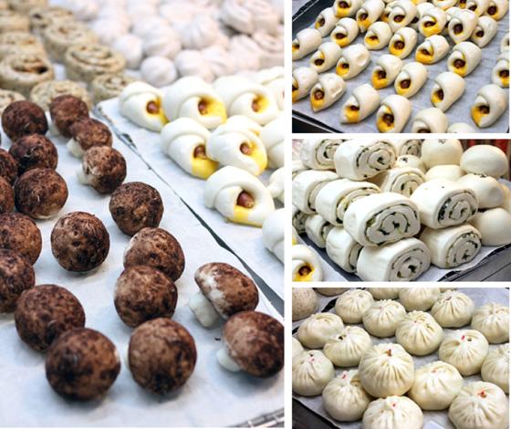這就是深具創意的「菇菇芝麻流沙包」(左)。攤子上所有的包子、饅頭都以老麵發酵,滋味迷人(右)